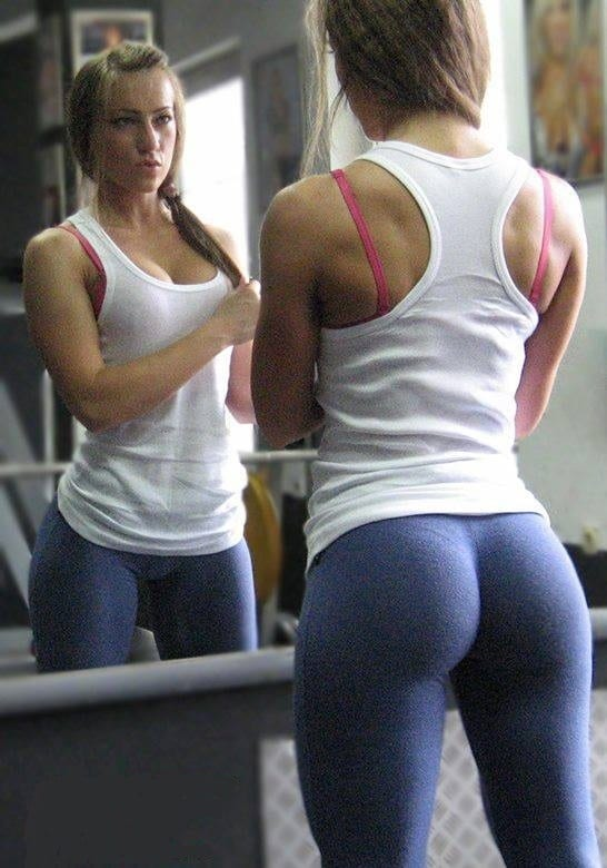 15 Reasons Why Guys Love Yoga Pants - BroScience.co