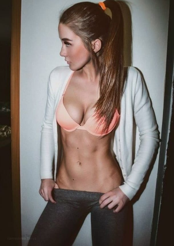 Sexy-Fit-Babes-Abs-and-Yoga-Pants