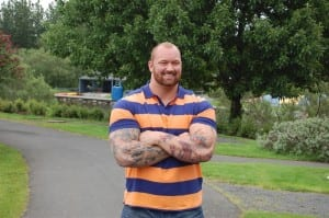 190kg (418lbs) The Mountain From Game of Thrones Runs a Marathon For Charity