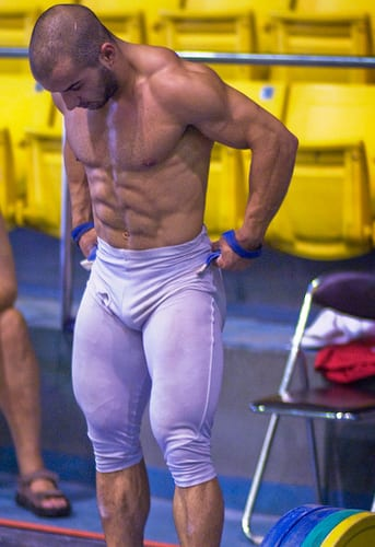 bodybuilders trying to wear skinny jeans 8