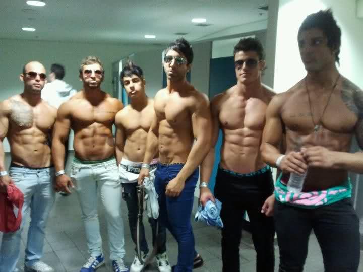 bodybuilders trying to wear skinny jeans8