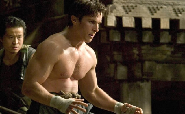 batman begins christian bale muscle hollywood movie actor