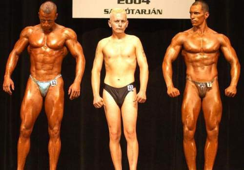 Is it possible for a male to become an IFBB pro naturally