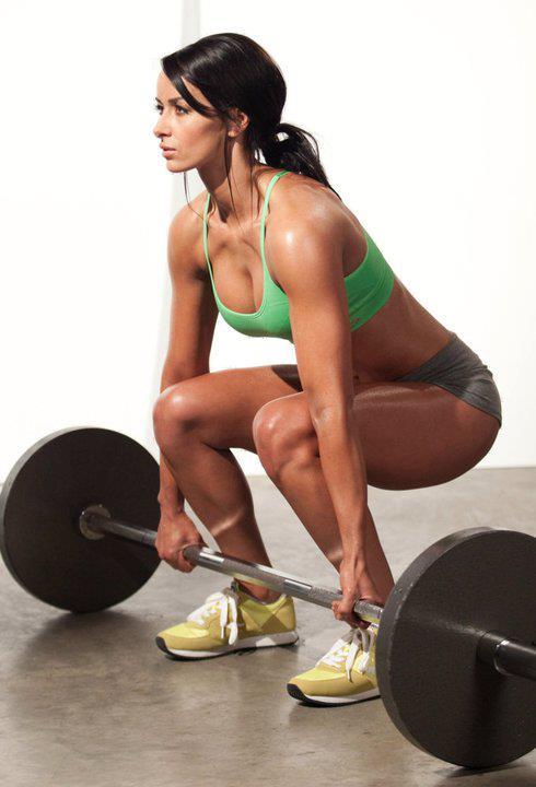 01-fitness-motivation-sexy-women-deadlifting