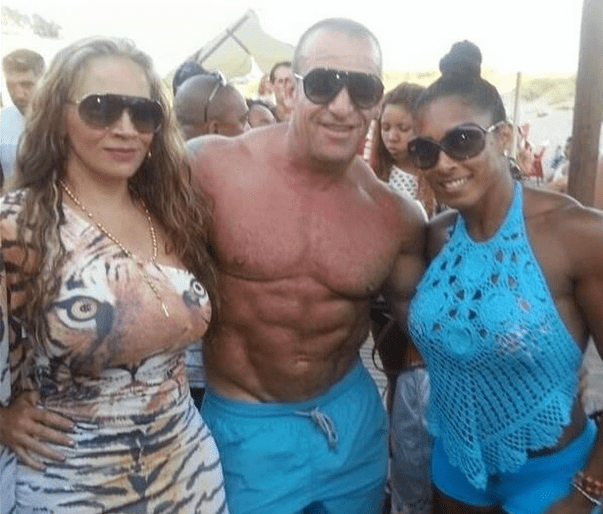 old time mr olympia bodybuilder with fans