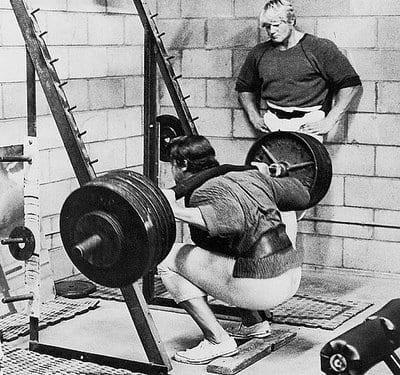 Arnold Schwarzenegger bodybuilder training squats