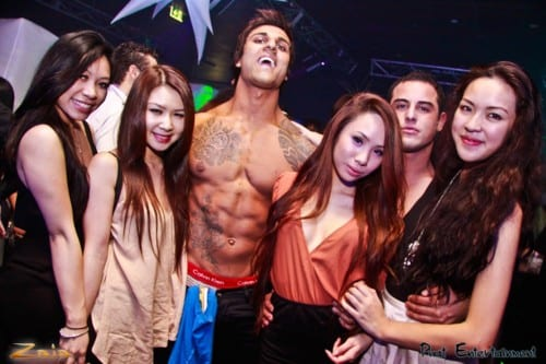 How To Be An Alpha Bodybuilder And Get A Lot Of Girls