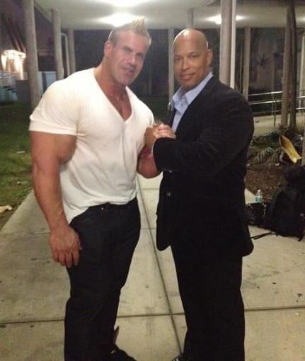 Bodybuilders-Wearing-Normal-Clothes-11