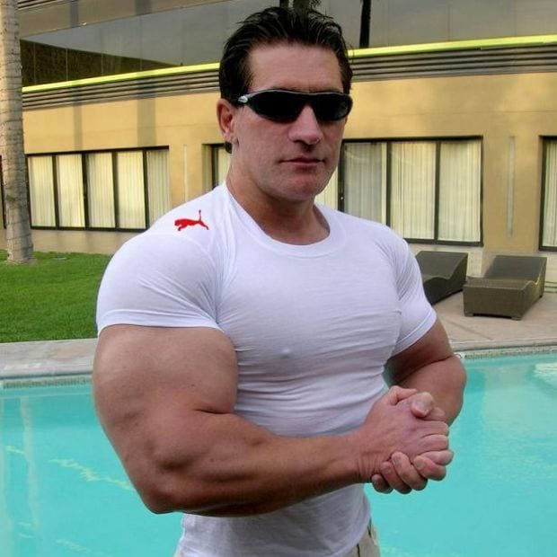 Gym guy hospitalised after tiny t shirt cuts off for Buff dudes t shirt