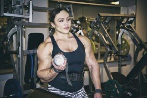 23-yr-old-Russian-Weightlifter-bodybuilder-2