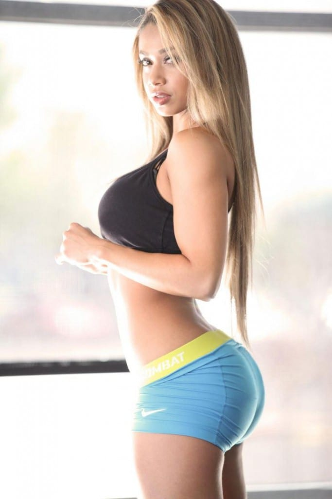 20 Girls That Squat More Than You - Wait Until You See 20-6524