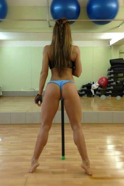 girls that squat more than you7