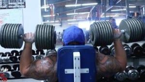 Big Boy Lifting 200 lb In Shoulder Press Like It's Nothing