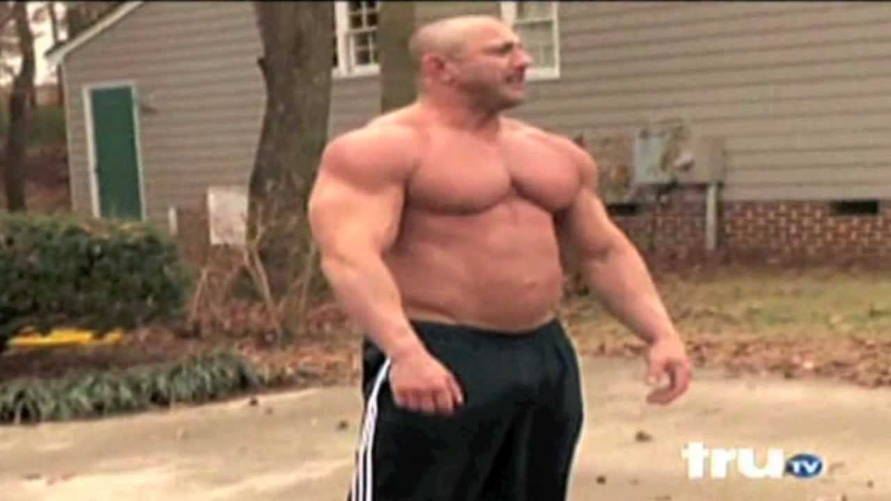 Huge Bodybuilder Goes CRAZY When His Truck Gets Towed
