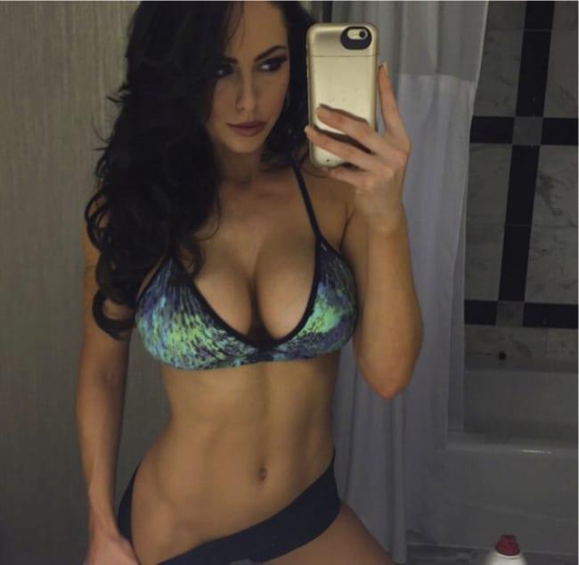 Fitness brazilian ass taking a hot shower gostosa no banho 2 6