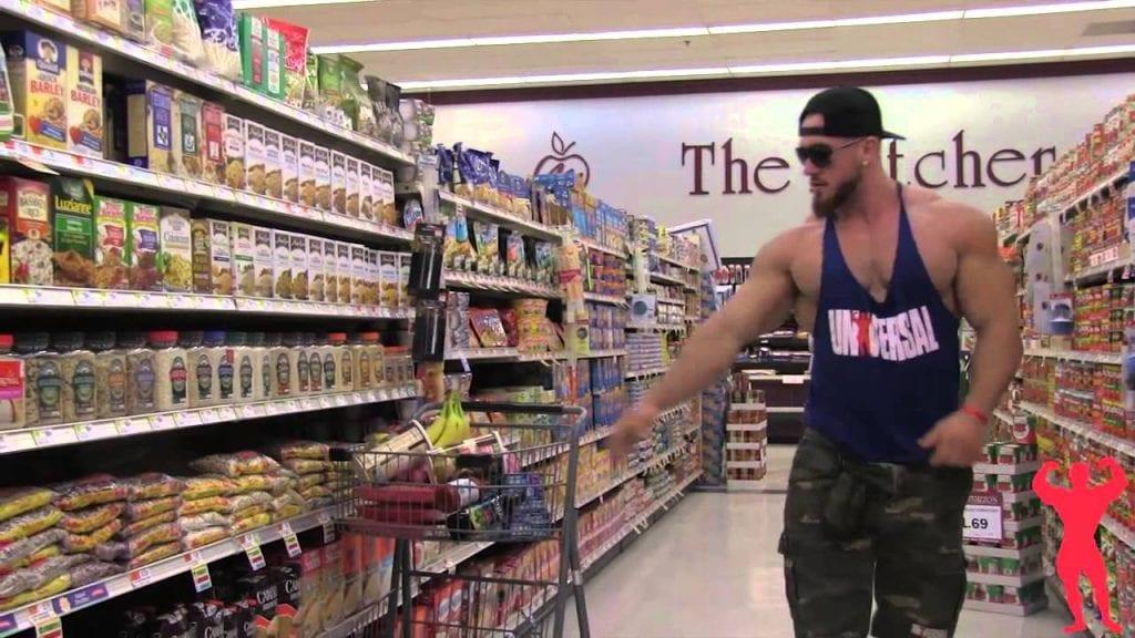 bodybuilder-shopping