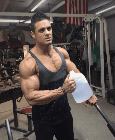How To Use Water To Look More Shredded & Get Better Pumps