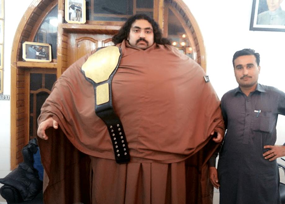 khan baba pakistani hulk